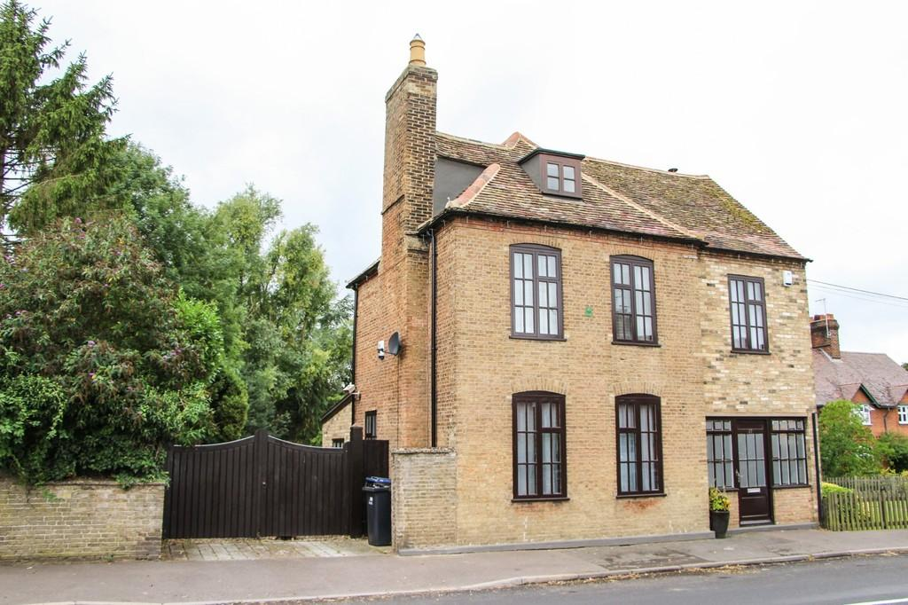 4 Bedrooms Detached House for sale in Chippenham, Cambridgeshire
