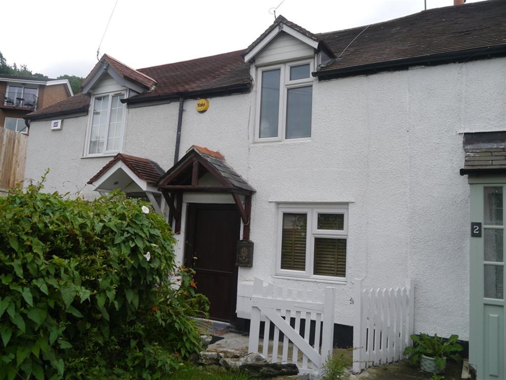 2 Bedrooms Terraced House for sale in Queen Street, Llangollen, LL20 8LF