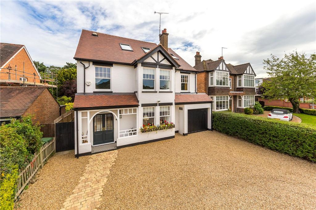 5 Bedrooms Detached House for sale in Southdown Road, Harpenden, Hertfordshire