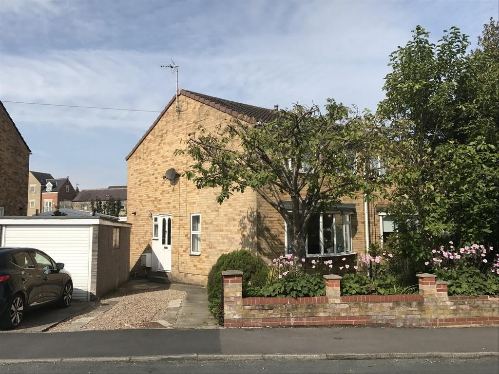 3 Bedrooms Semi Detached House for sale in Lime Grove, Harrogate