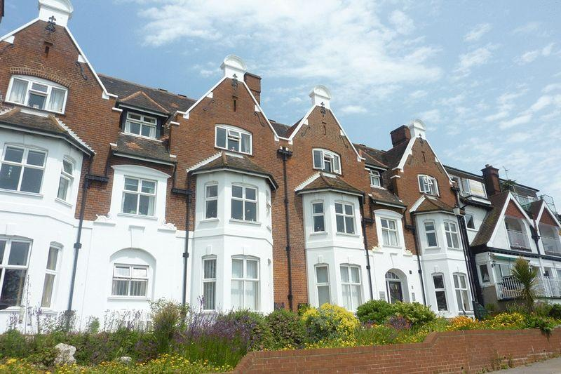 1 Bedroom Retirement Property for sale in Cliff House, Westcliff On Sea