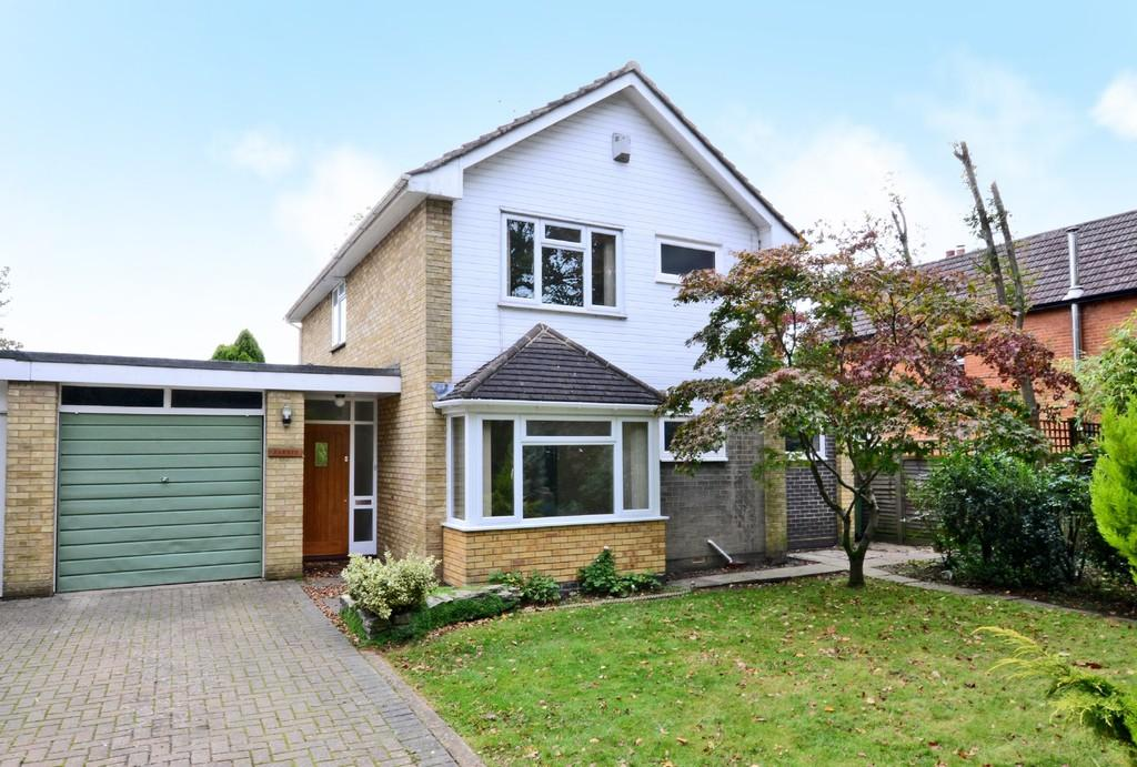 4 Bedrooms Link Detached House for sale in Mytchett Place Road, Mytchett, Camberley