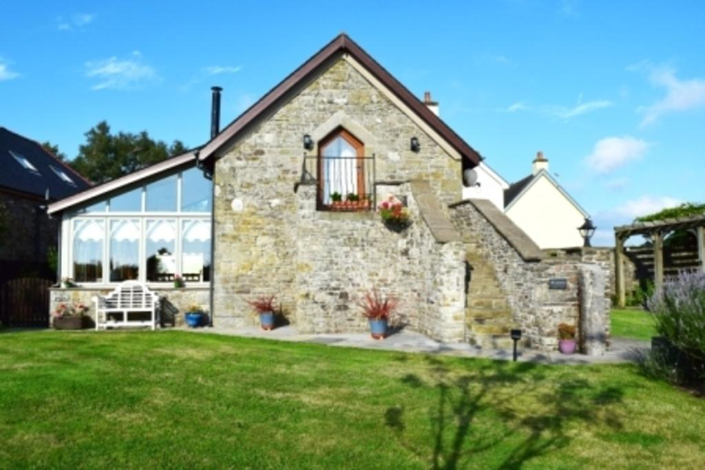 2 Bedrooms Barn Conversion Character Property for sale in THE GRANARY, EGLWYS NUNNYDD, MARGAM, SA13 2PS