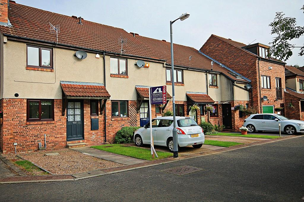 2 Bedrooms Terraced House for sale in Ridgewood Close, Baildon