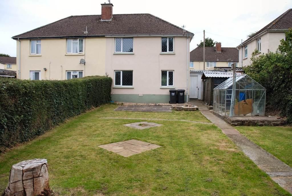 3 Bedrooms Semi Detached House for sale in Brewer Road, Barnstaple