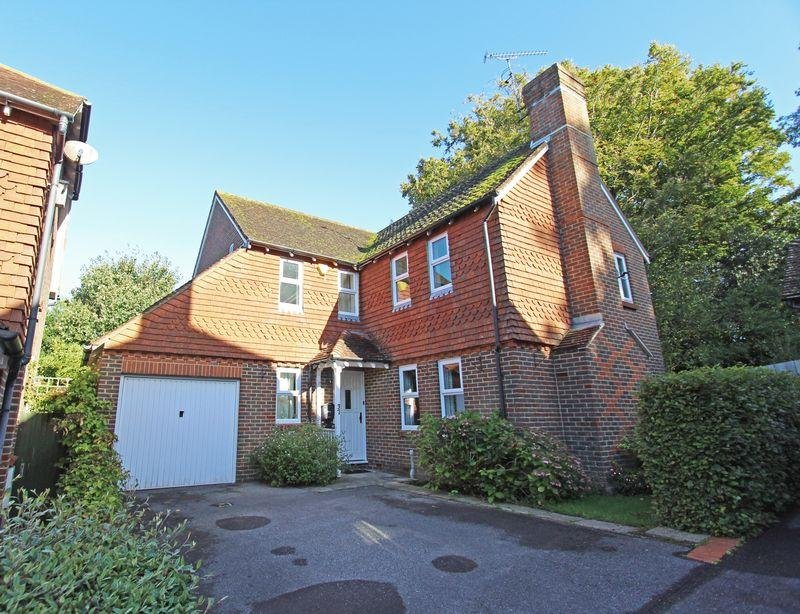 4 Bedrooms Detached House for sale in Trinity Road, Hurstpierpoint