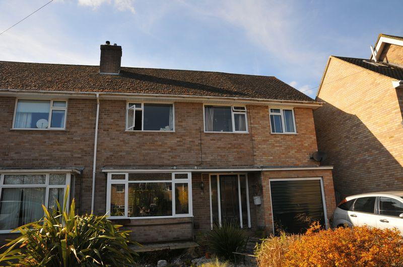 4 Bedrooms Semi Detached House for sale in Queens Close, Eynsham