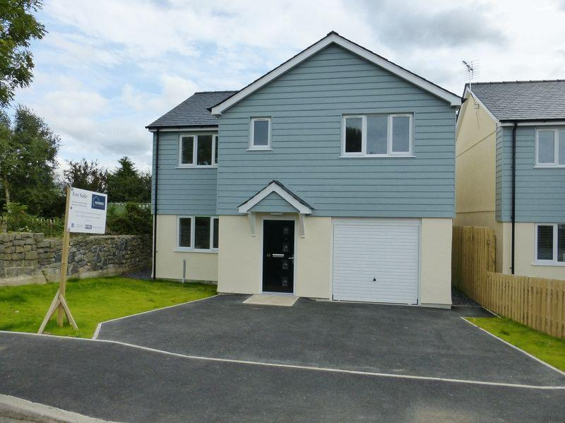 4 Bedrooms Detached House for sale in Nant Y Glyn, Caernarfon