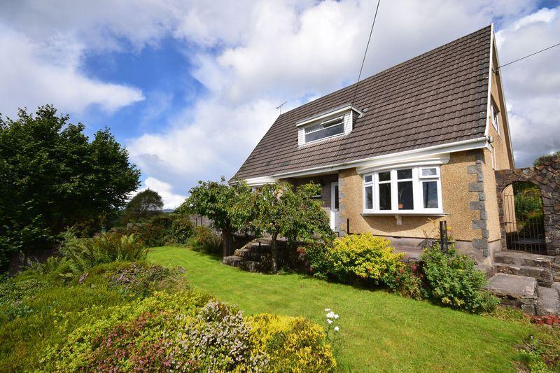 4 Bedrooms Detached Bungalow for sale in Lyndale, Bettws, Bridgend