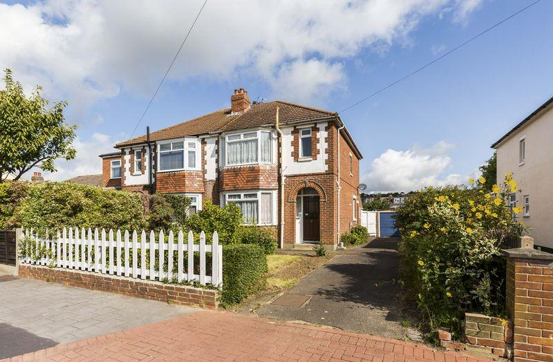 3 Bedrooms Semi Detached House for sale in Central Road, Portsmouth
