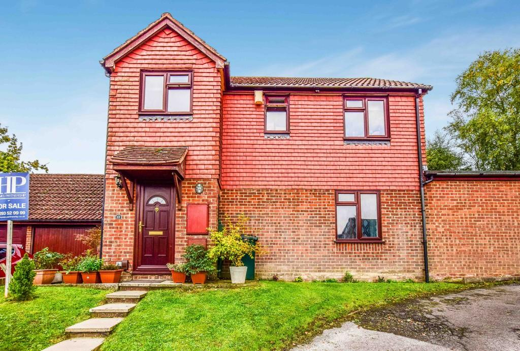 3 Bedrooms Detached House for sale in Wilberforce Close, Tollgate Hill