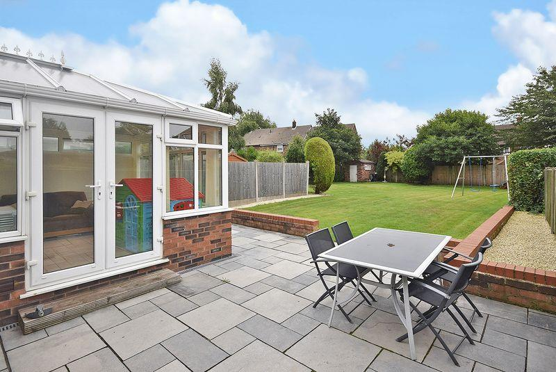 3 Bedrooms Semi Detached House for sale in Hale Road, Widnes