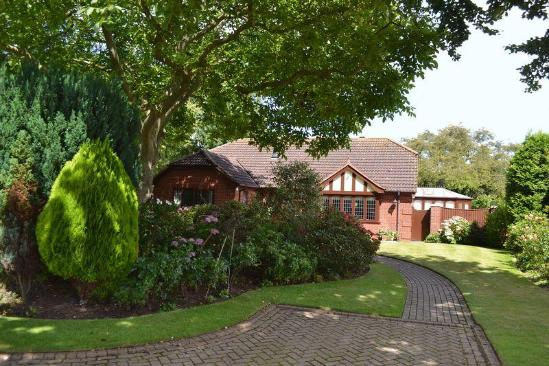 3 Bedrooms Detached Bungalow for sale in The Copse, Grimsby