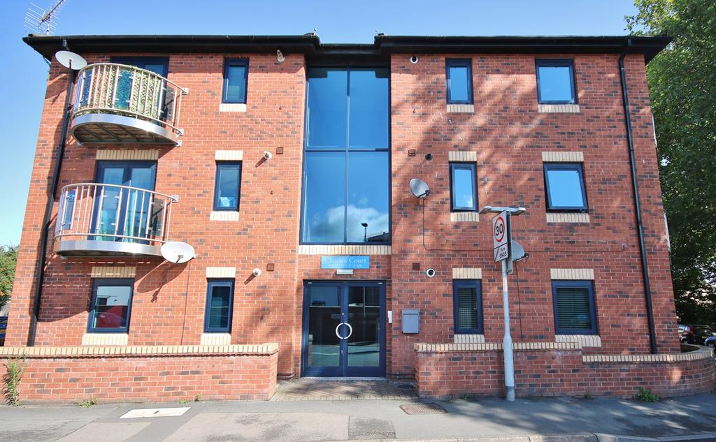 1 Bedroom Flat for sale in Charles Court, Coningsby Street, HEREFORD, HR1