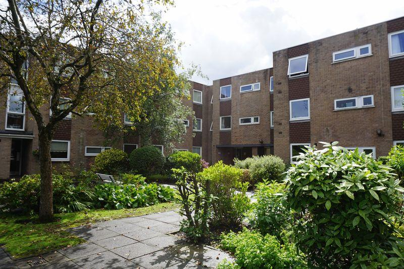 1 Bedroom Apartment Flat for sale in Moseley Grange, Cheadle Hulme