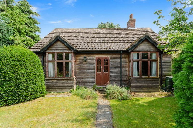 2 Bedrooms Detached Bungalow for sale in Hagworthingham Road, Raithby by Spilsby