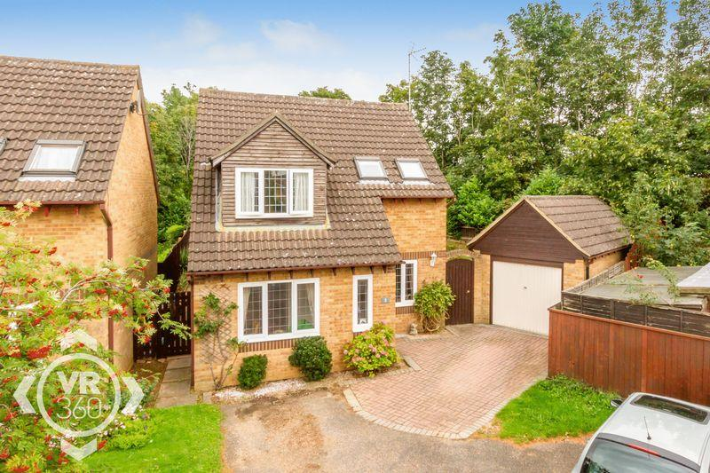 3 Bedrooms Detached House for sale in Oak Close, Bicester