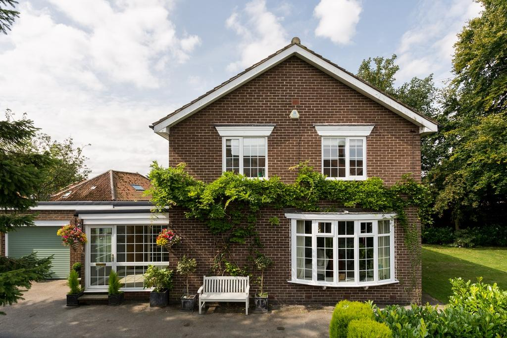 4 Bedrooms Detached House for sale in Main Street, Escrick, York, YO19