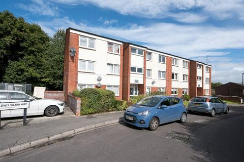 1 bedroom flat for sale - Lordshill, Southampton