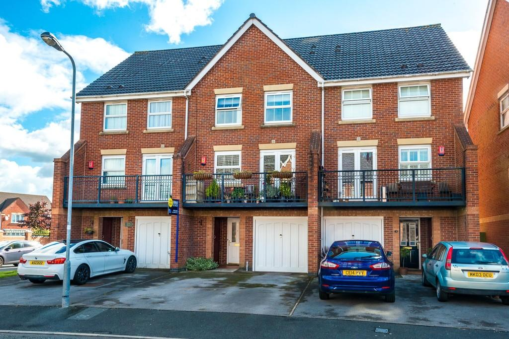 3 Bedrooms Terraced House for sale in Rollesby Gardens, Sutton Heath, St. Helens