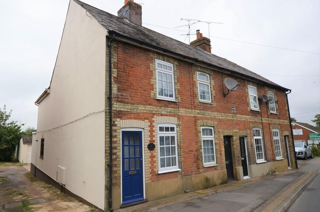 2 Bedrooms End Of Terrace House for sale in The Street, Wrecclesham