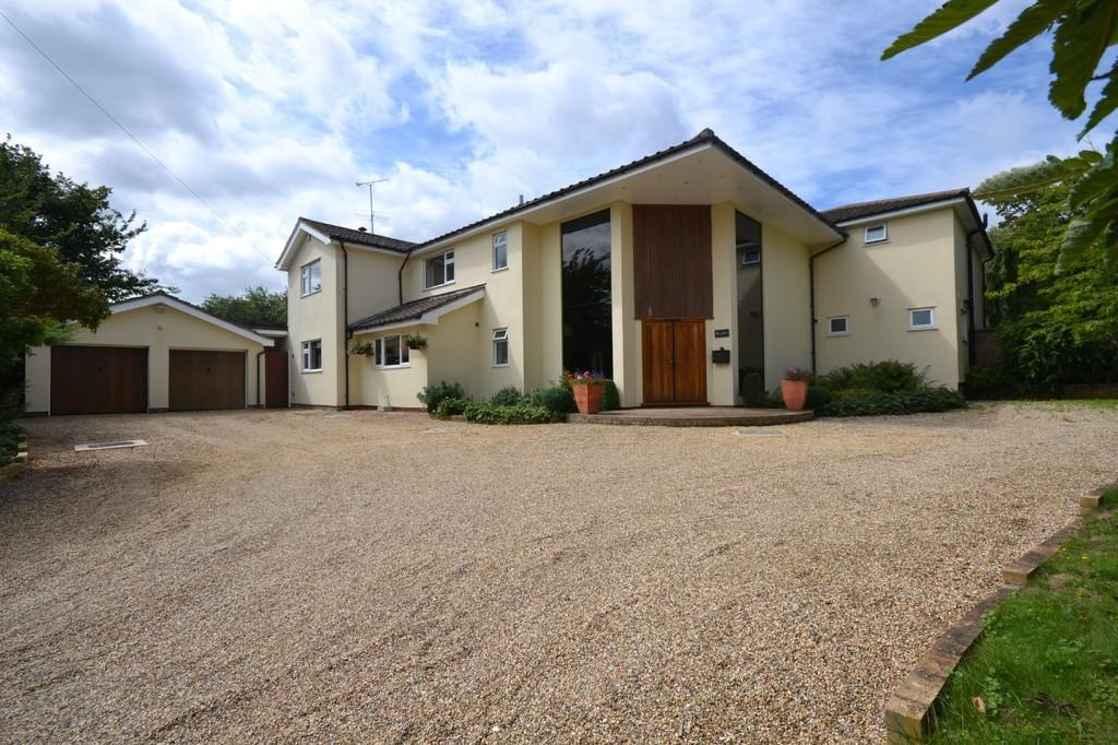 7 Bedrooms Detached House for sale in Whiteditch Lane, Newport