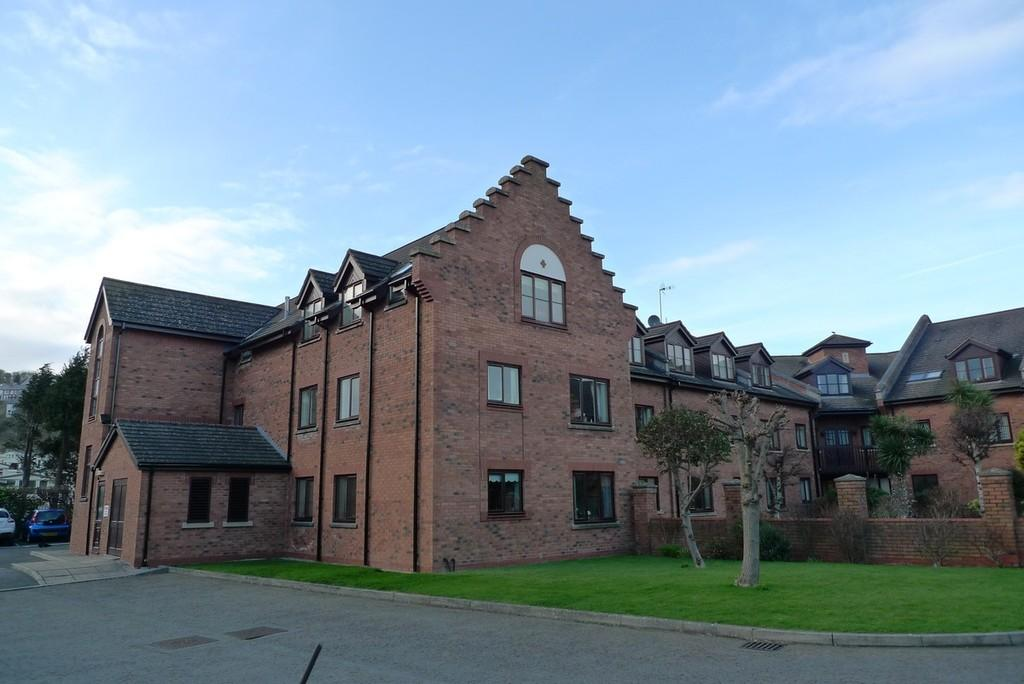1 Bedroom Flat for sale in Penrhyn Court, Penrhyn Bay