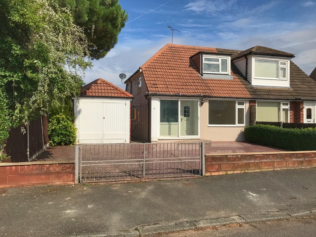 3 Bedrooms Semi Detached Bungalow for sale in Ellesmere Avenue, Chester