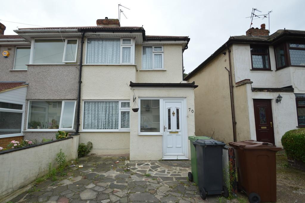 3 Bedrooms End Of Terrace House for sale in Third Avenue, Dagenham