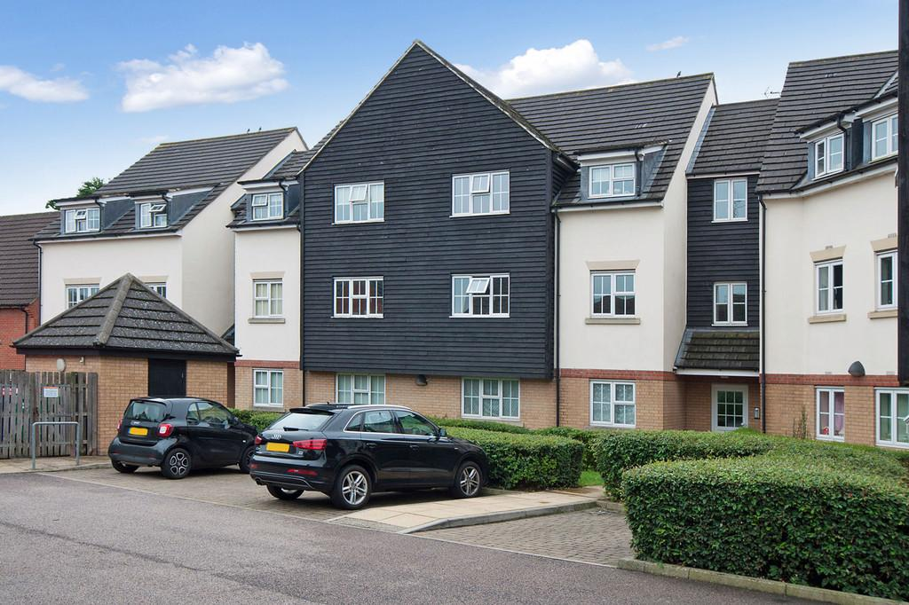 1 Bedroom Flat for sale in Retreat Way, Chigwell