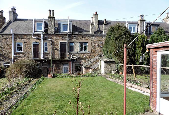 2 Bedrooms Flat for sale in 19 St Andrew Street, Galashiels, TD1 1EA