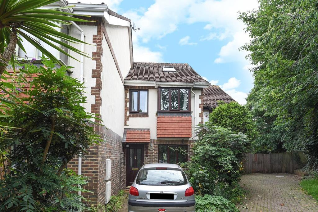 3 Bedrooms End Of Terrace House for sale in Rural Way, Streatham