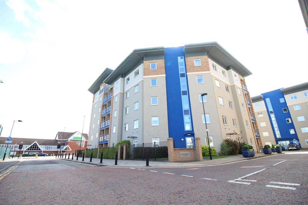 2 Bedrooms Flat for sale in Knightsbridge Court, Newcastle Upon Tyne