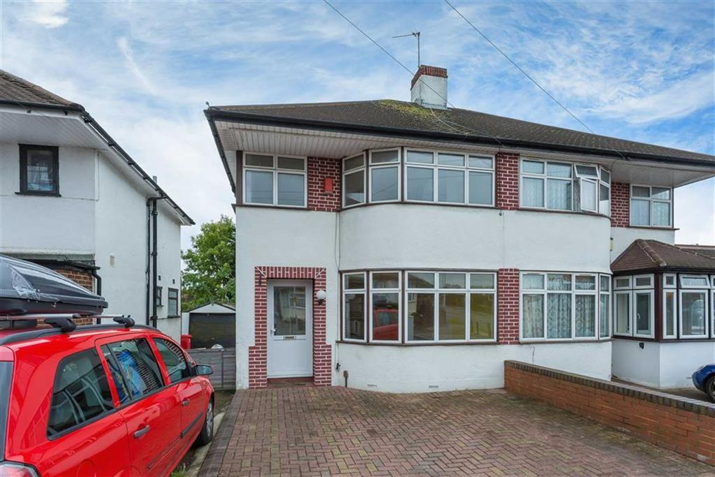 3 Bedrooms Semi Detached House for sale in Cavendish Ave, South Ruislip