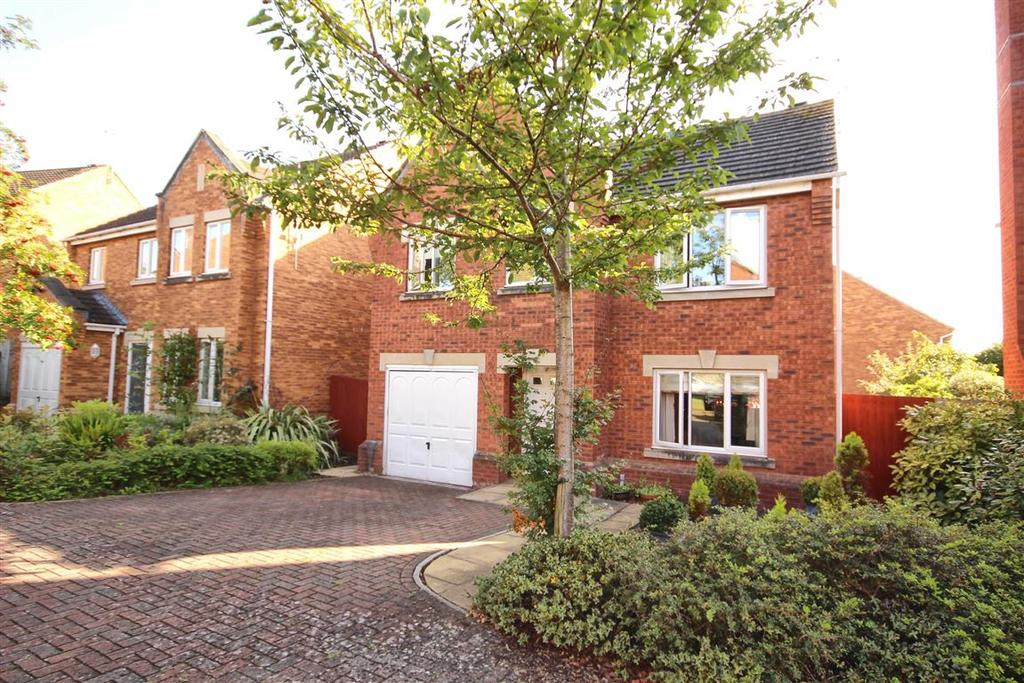 4 Bedrooms Detached House for sale in Galileo Gardens, Golden Valley, Cheltenham, GL51