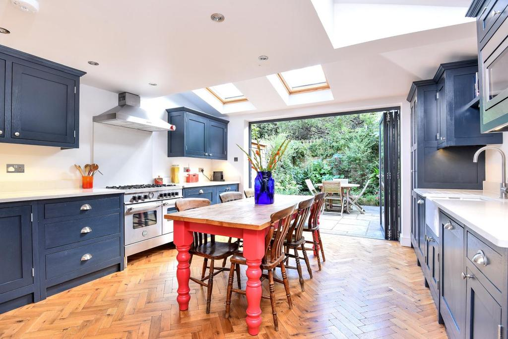 3 Bedrooms Terraced House for sale in Graveney Road, Tooting
