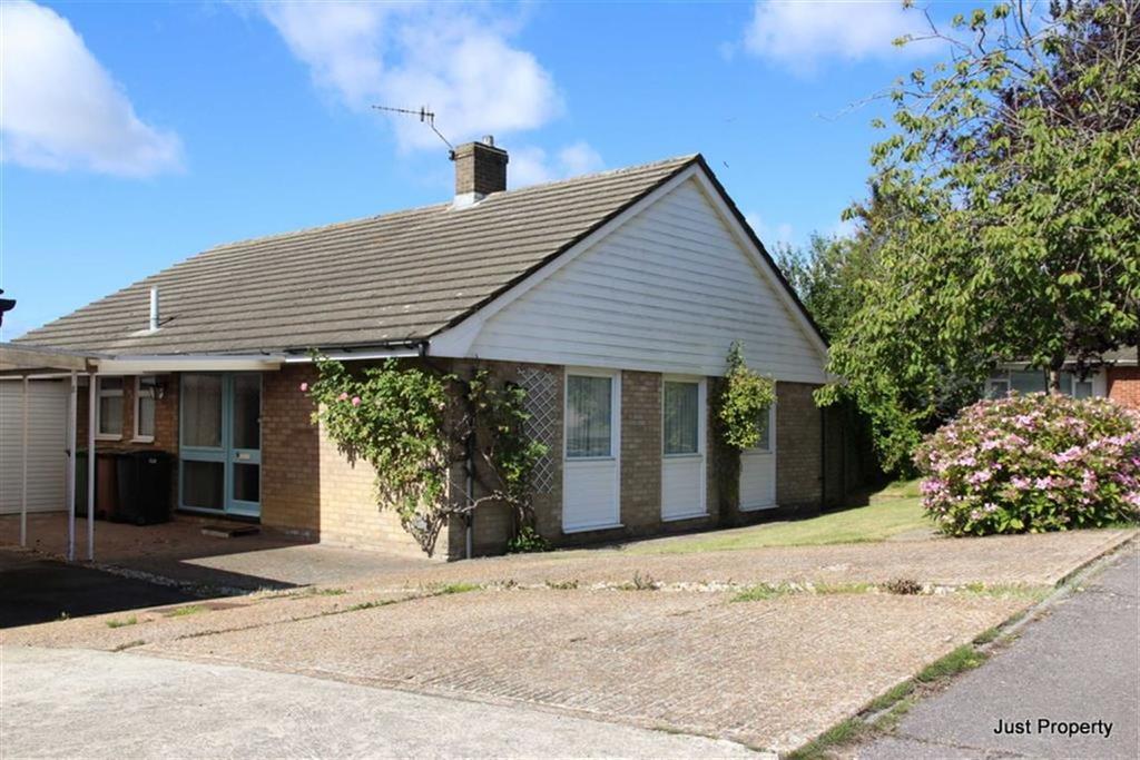 3 Bedrooms Detached Bungalow for sale in Hollinghurst Close, St Leonards On Sea