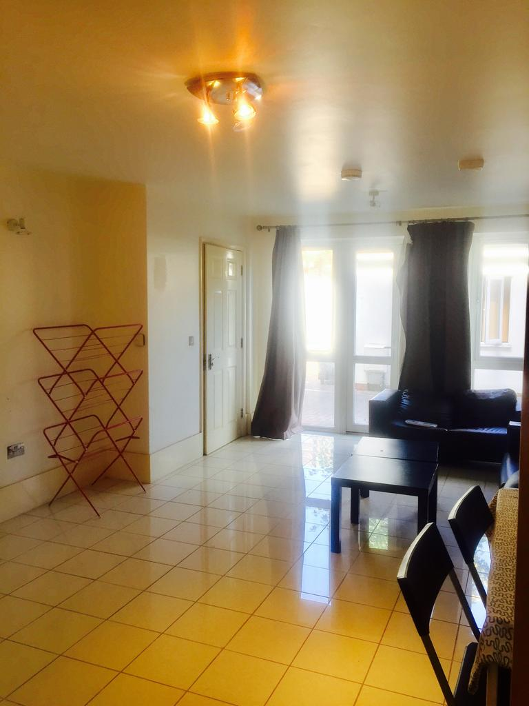 4 Bedrooms Apartment Flat