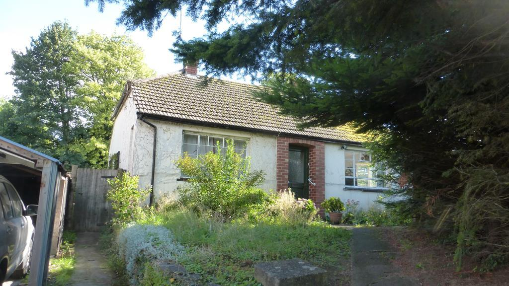 3 Bedrooms Detached Bungalow for sale in Park Crescent, Abergavenny NP7
