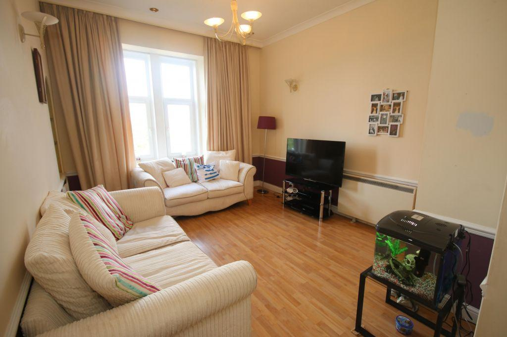 2 Bedrooms Flat for sale in 3/1, 10, Glendore Street, Whiteinch, Glasgow, G14 9RU