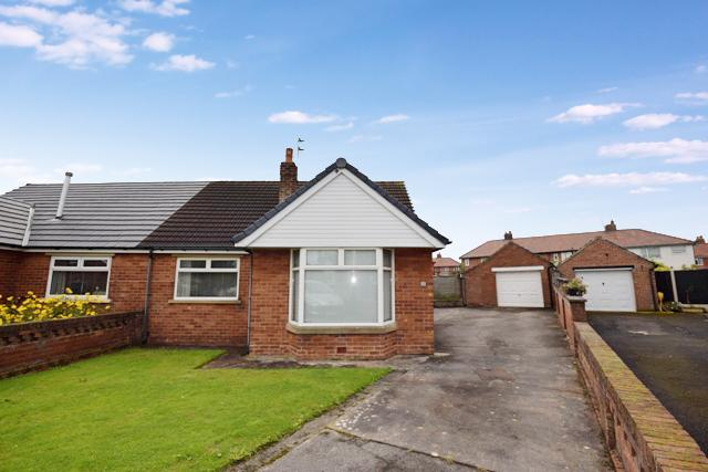 2 Bedrooms Bungalow for sale in Salwick Place, Lytham St Annes , FY8