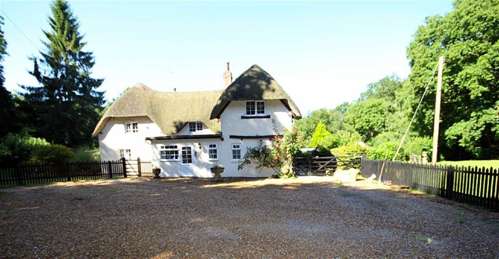 5 Bedrooms Cottage House for sale in Wimborne