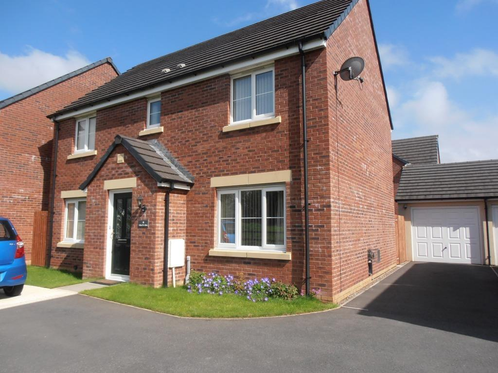 4 Bedrooms Detached House for sale in Glan Yr Afon, Cwmbach, Aberdare