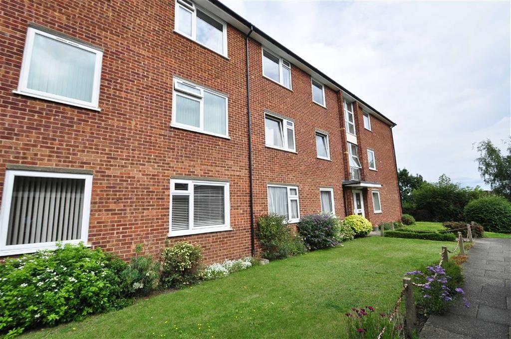 2 Bedrooms Flat for sale in Gravel Hill Close, Bexleyheath