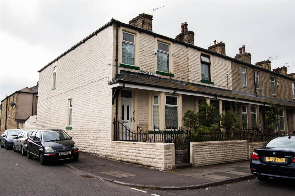 6 Bedrooms Terraced House for sale in Ennismore Street, Burnley