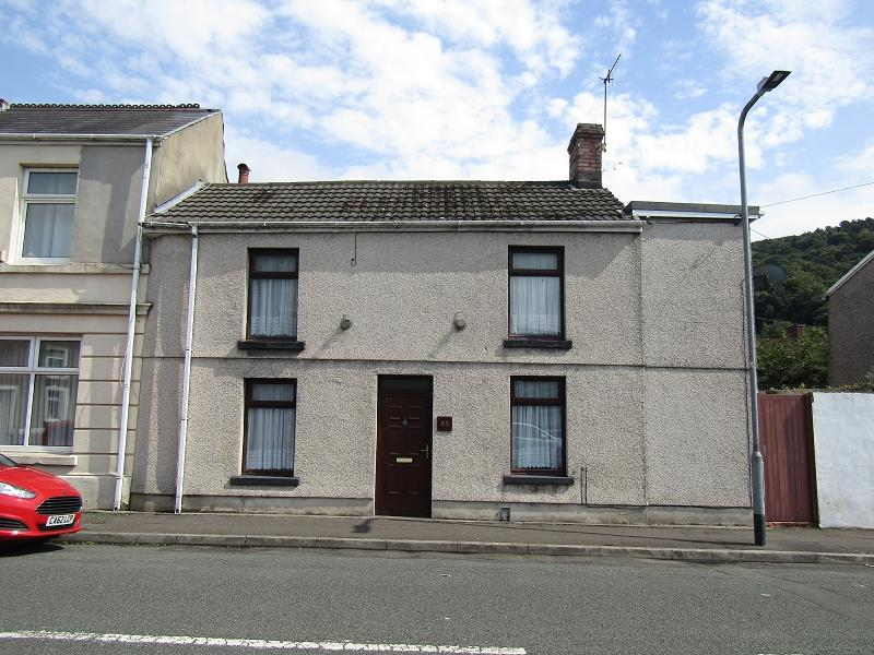 2 Bedrooms Terraced House for sale in Hunter Street, Neath, Neath Port Talbot.