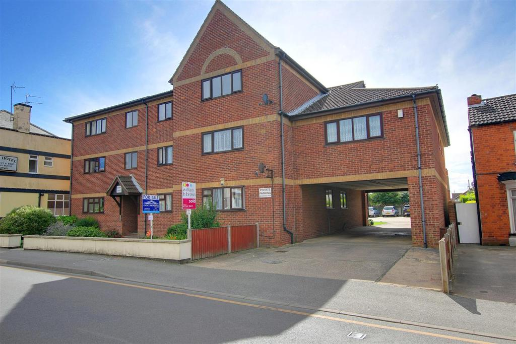 2 Bedrooms Flat for sale in 6 Clement Court, Victoria Road, Mablethorpe