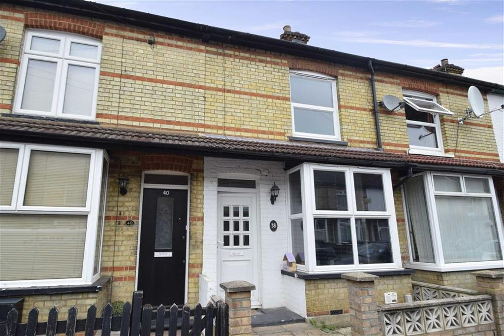 3 Bedrooms Terraced House for sale in Souldern Street, West Watford, Herts