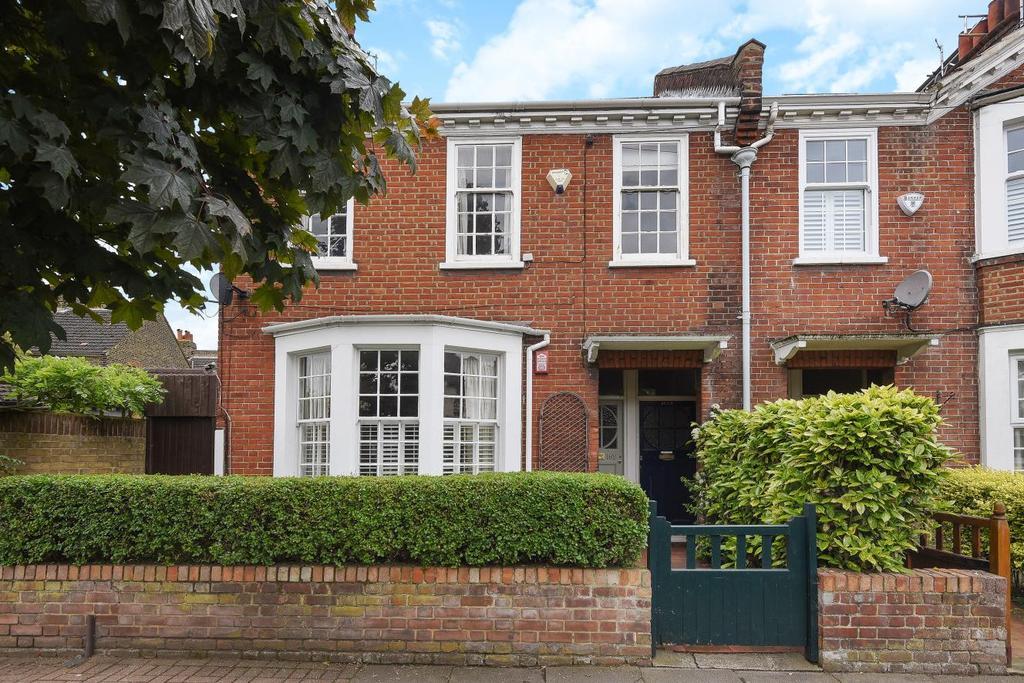 2 Bedrooms Maisonette Flat for sale in Swaby Road, Earlsfield