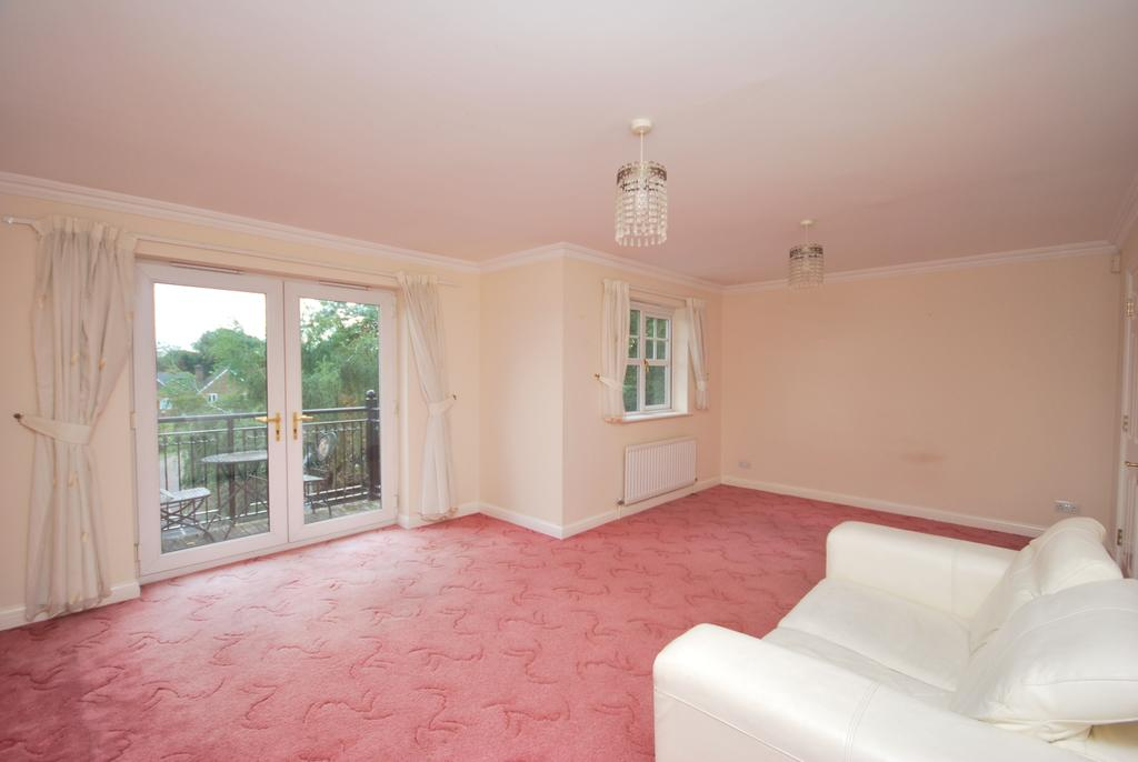 2 Bedrooms Flat for sale in Westmoreland Road Bromley BR2